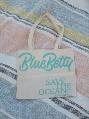 Blue Betty Tote bag